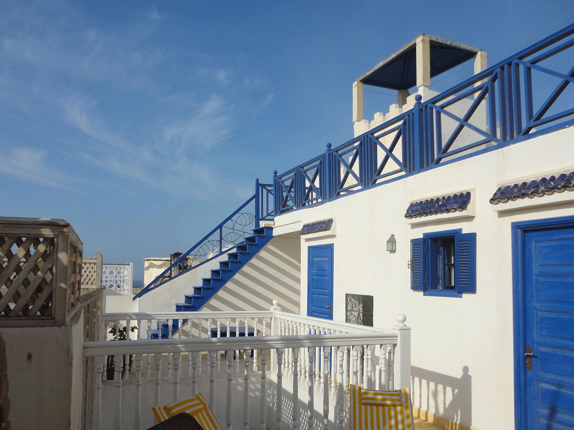 02-slide